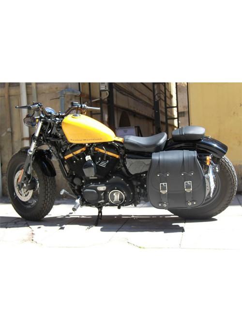 Cruizer - Monoborsa per moto Guzzi nevada custom laterale in pelle doppio rexion con incavo per ammortizzatore e 3 fibie